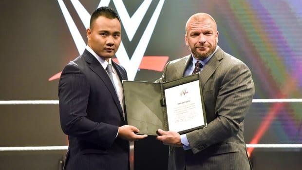 Bin Wang and Triple H