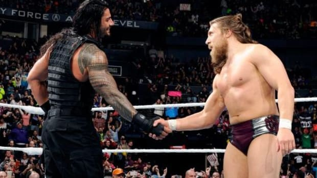 raw-daniel-bryan-roman-reigns-shake-hands-642x330