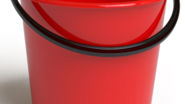 Red-Bucket