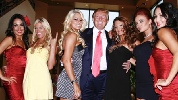 WWE Divas With Donald Trump