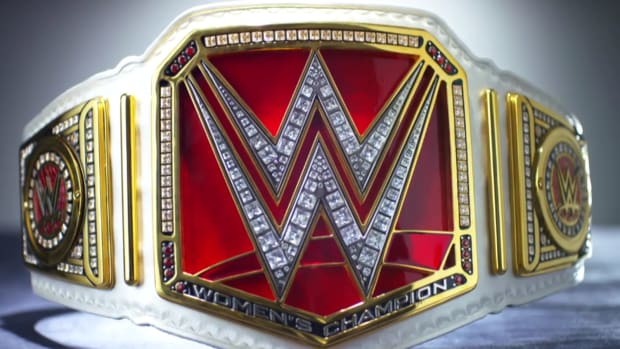 raw womens title