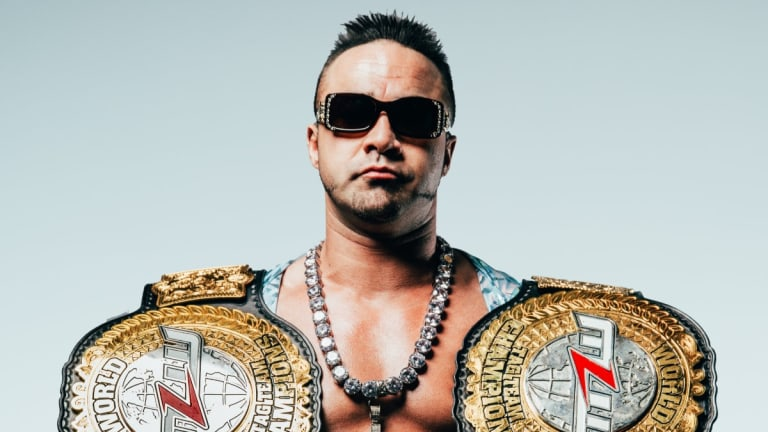 Teddy Hart enters the 2019 Battle Riot in NYC