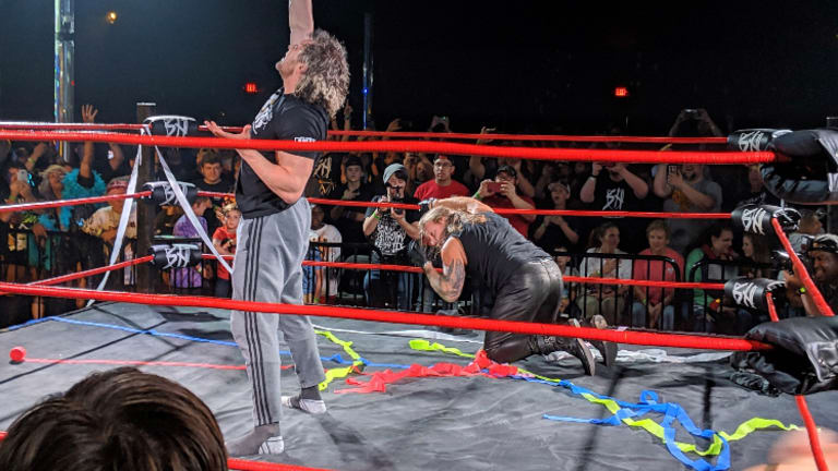 Chris Jericho And Kenny Omega Brawl At Independent Show