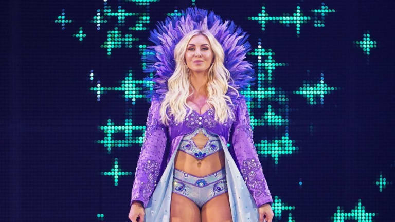 Charlotte Flair Signs With VaynerSports Agency