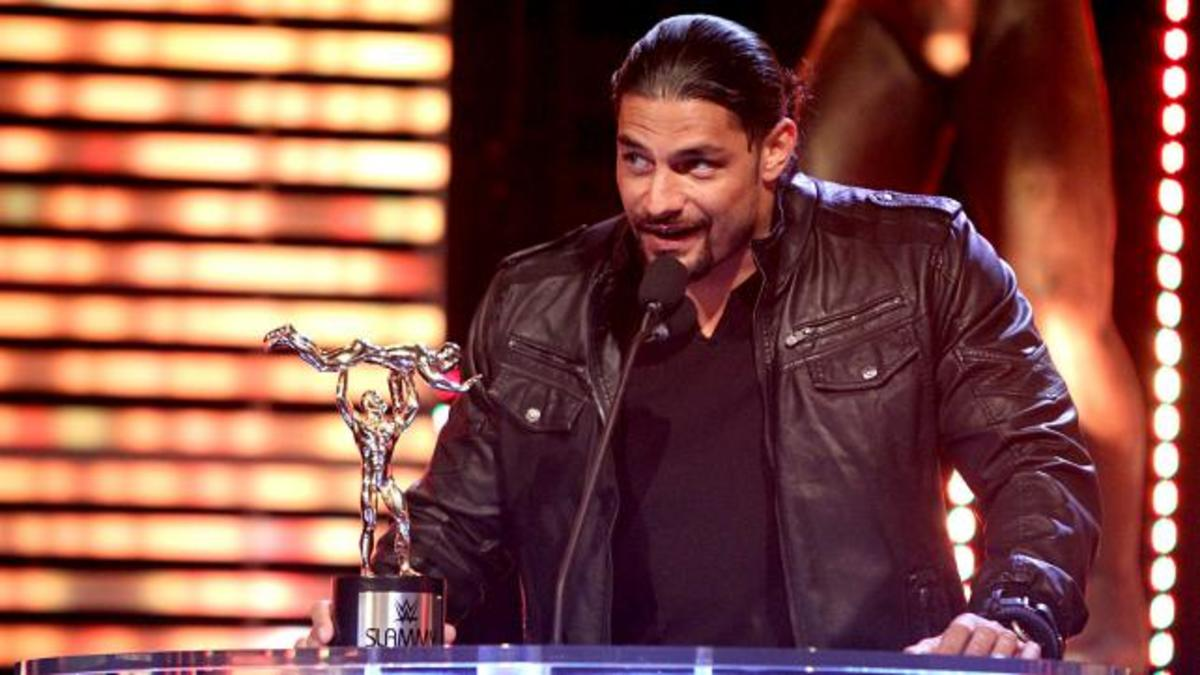 Roman-Reigns-wins-superstar-of-the-year