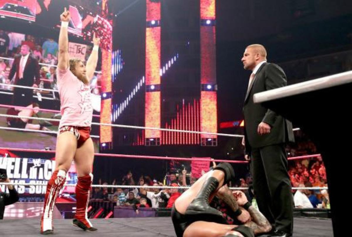 wwe-raw-oct-21-daniel-bryan
