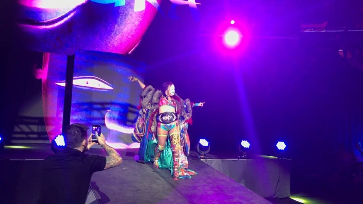 Below Are Complete Results From Sundayu0027s WWE SmackDown Live Event At Madison  Square Garden In New York City:
